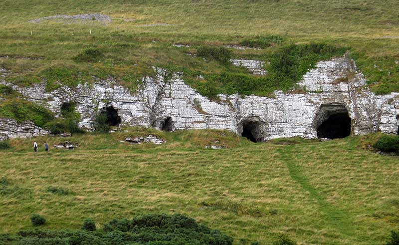 Caves of keash and carrowkeel passage tombs